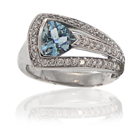 Aquamarine Ring with diamonds